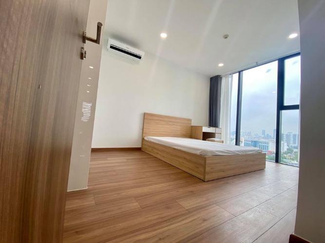 Phòng ngủ căn hộ Eco Green Saigon Căn hộ Eco Green Saigon đầy đủ nội thất, view thành phố sầm uất.