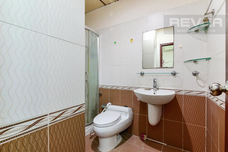 Phòng Tắm 2 Căn hộ Orient Apartment tầng thấp, 2PN, nội thất cơ bản