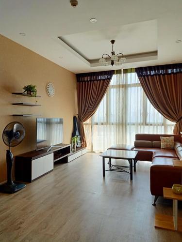 Cho thuê căn hộ The Vista An Phú 2PN, đầy đủ nội thất, view Xa lộ Hà Nội và thành phố