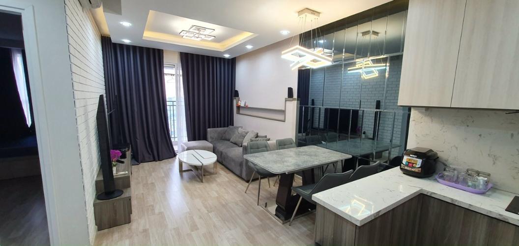 Căn hộ Sunrise City View tầng cao, nội thất đầy đủ tiện nghi.