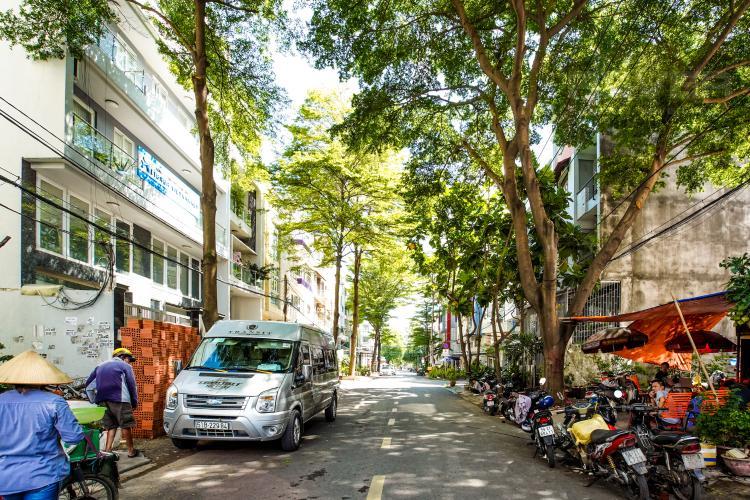 Lối Đi 2 Bán nhà phố KDC Trung Sơn Q.7, 3 tầng, 17PN, diện tích sử dụng 350.4m2, có hầm để xe