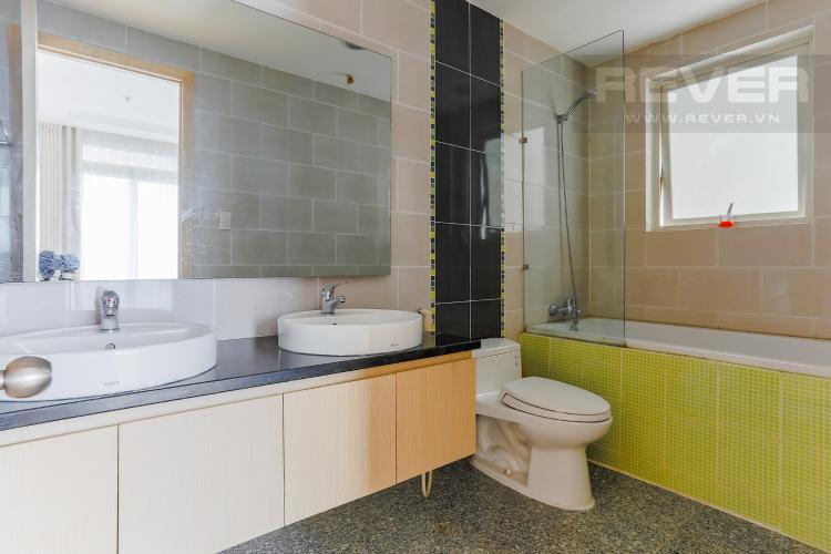 Phòng Tắm 1 Căn hộ Dragon Hill Residence and Suites 2 phòng ngủ tầng cao tháp B nội thất có sẵn