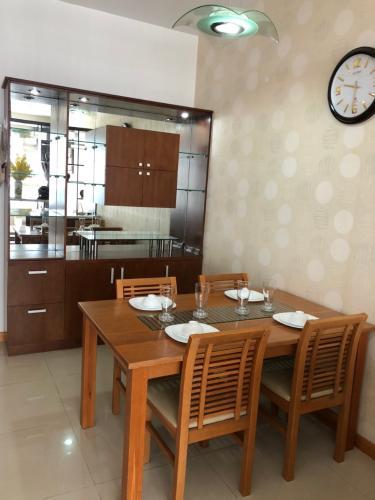 Không gian căn hộ Saigon Pearl , Quận Bình Thạnh Căn hộ Saigon Pearl tầng 15 view thành phố sầm uất, đầy đủ nội thất hiện đại.