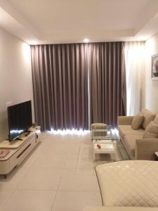 Bán căn hộ The Gold View 2PN, tầng trung, diện tích 81m2, đầy đủ nội thất, view thành phố
