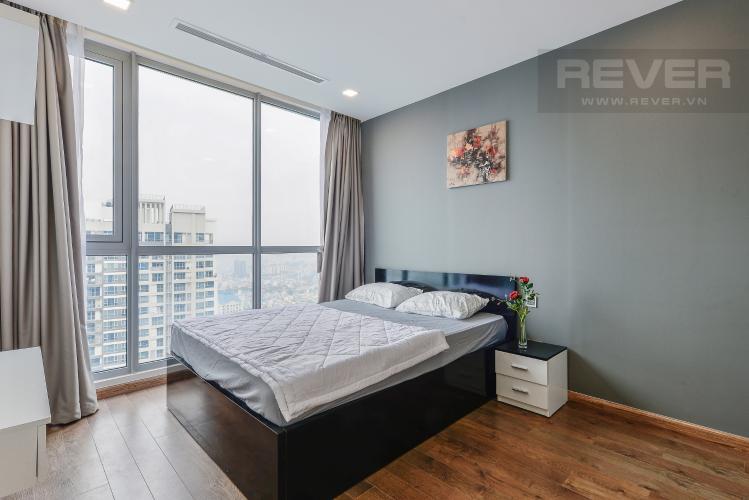 Phòng ngủ 1 Căn hộ Vinhomes Central Park 2 phòng ngủ tầng cao P6 view Quận 1