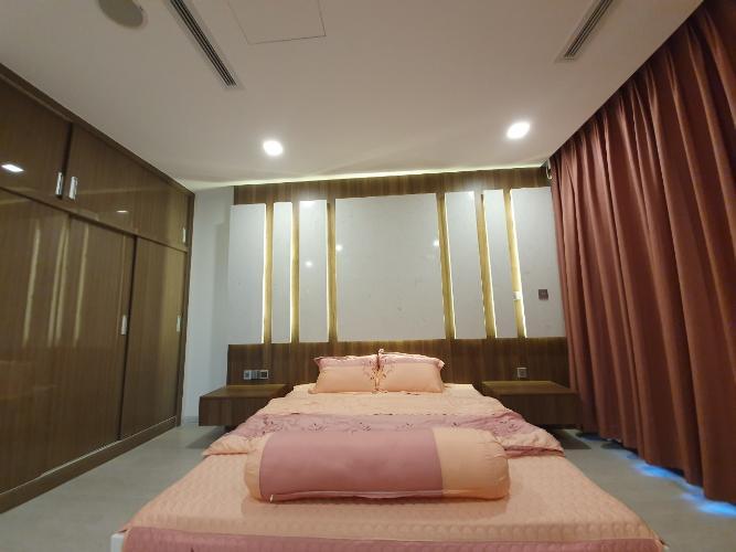 phòng ngủ Căn hộ Vinhomes Golden River tầng cao, view hướng Đông Bắc.