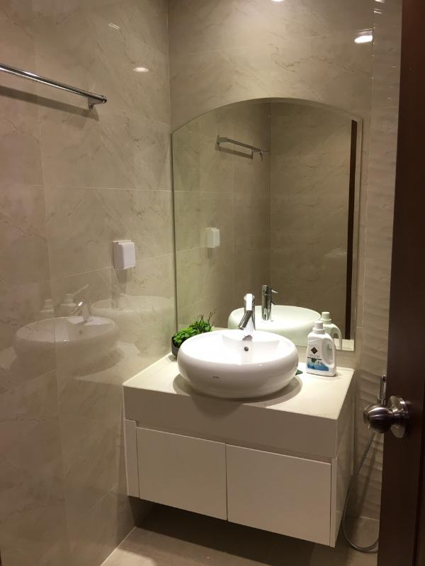 12 Cho thuê căn hộ Vinhomes Central Park 2PN, diện tích 84m2, đầy đủ nội thất, view thành phố