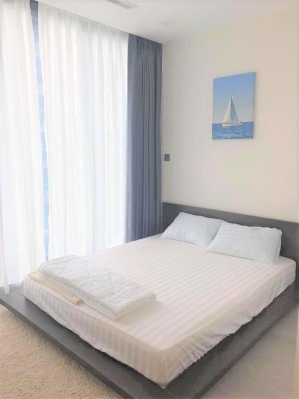 6522d53d4ca0aafef3b1 Cho thuê căn hộ 2 phòng ngủ Vinhomes Golden River, tầng thấp, đầy đủ nội thất, view sông và Landmark 81