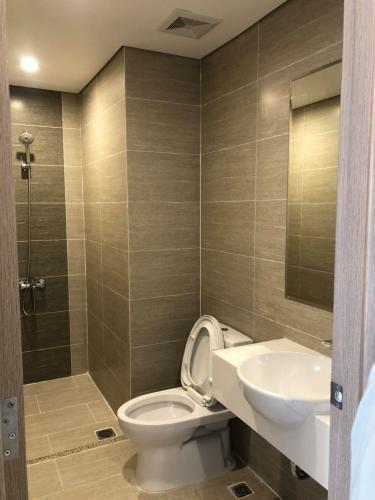 Phòng tắm căn hộ Vinhomes Grand Park Căn hộ tầng thấp Vinhomes Grand Park nội thất đầy đủ tiện nghi.