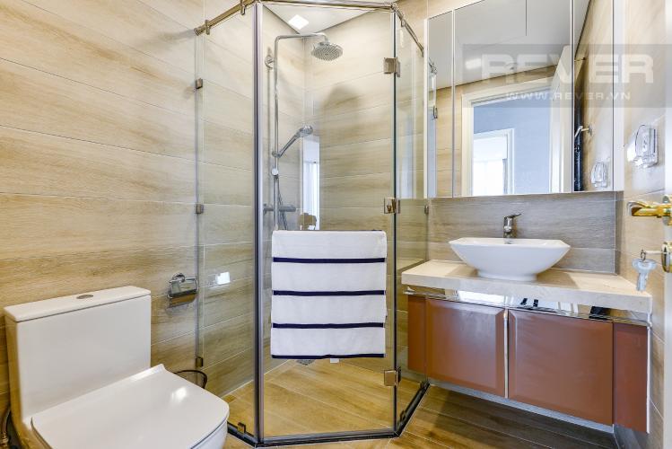 Phòng tắm 2 Căn hộ Vinhomes Golden River 3 phòng ngủ tầng trung A4 view sông