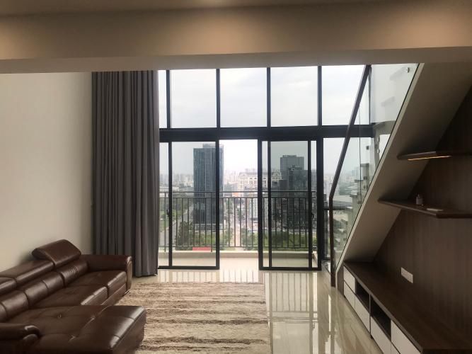 Phòng khách căn hộ Riviera Point Căn hộ Duplex Riviera Point tầng 20 bàn giao nội thất cơ bản, view thành phố.