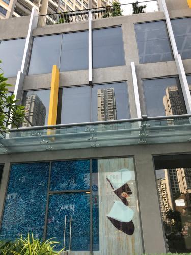 Cho thuê shophouse Masteri An Phú 3 tầng, DT 170m2, không nội thất, mặt tiền Song hành Xa lộ Hà Nội