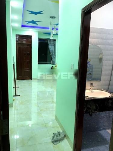 Phòng ngủ nhà phố Tăng Bạt Hổ, Bình Thạnh Nhà phố hẻm Bình Thạnh hướng Tây Nam, nội thất đầy đủ.