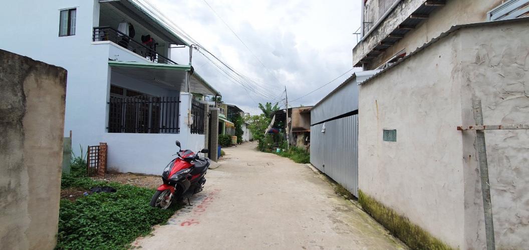 Bán đất nền + nhà cấp 4 đường Võ Văn Hát, diện tích 69m2, chiều ngang 4.02m, chiều dài 17.16m, sổ hồng đầy đủ