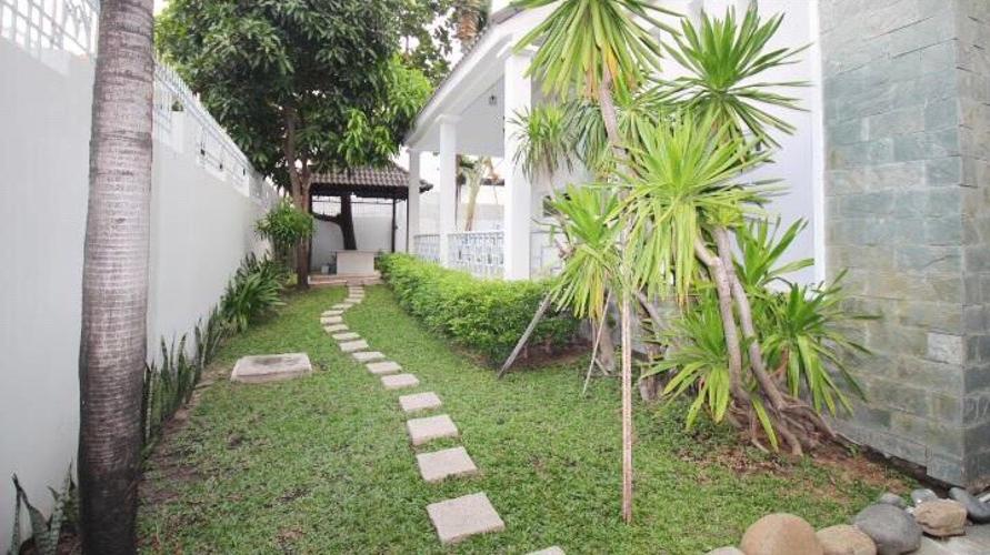Vườn Biệt thự Fideco Quận 2 Biệt thự Fedico Thảo Điền sân vườn rộng, hồ bơi đẹp.