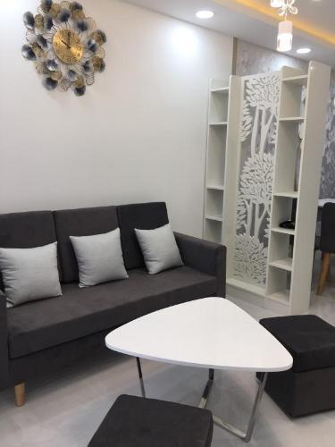 Cho thuê căn hộ Saigon South Residence 2PN, tầng thấp, diện tích 68m2, đầy đủ nội thất