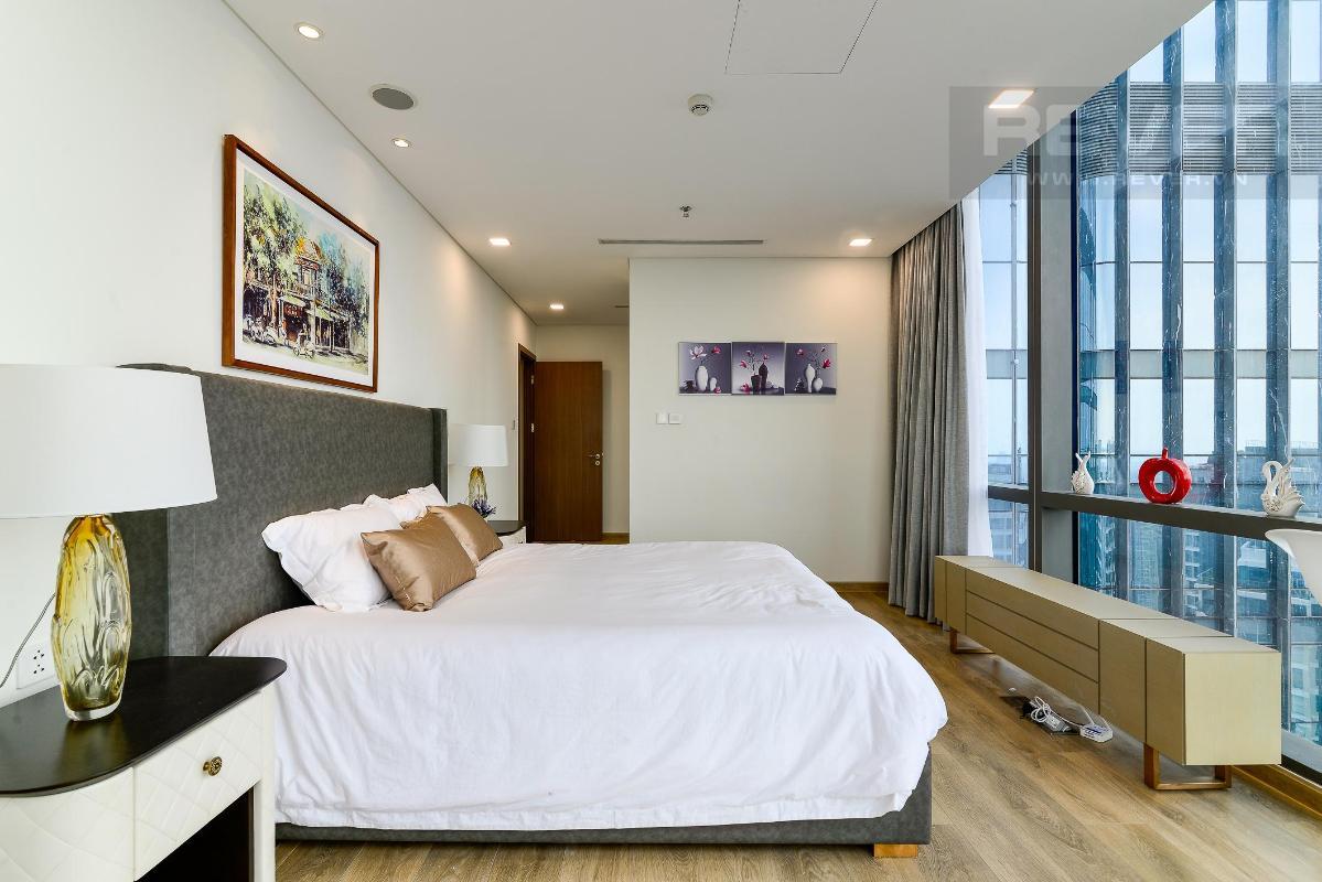 Phòng Ngủ 4.4 Bán hoặc cho thuê căn hộ Vinhomes Central Park 4PN, tháp Landmark 81, diện tích 164m2, đầy đủ nội thất, căn góc view thoáng