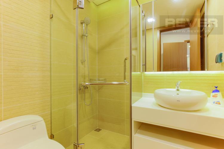 Phòng Tắm 2 Căn hộ Vinhomes Central Park trung tầng Park 1 thiết kế hiện đại, view sông
