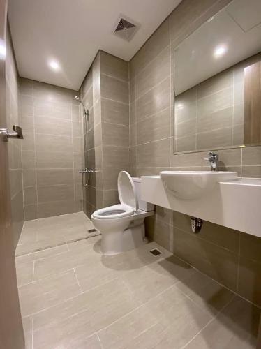Toilet Vinhomes Grand Park Quận 9 Căn hộ Vinhomes Grand Park tầng trung, kèm nội thất cơ bản.