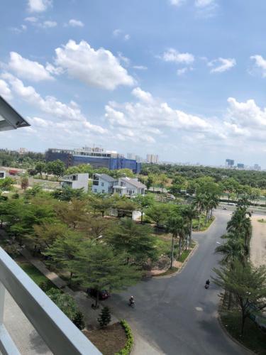 View ban công căn hộ Happy City Căn hộ Happy City đầy đủ nội thất view thành phố thoáng mát.