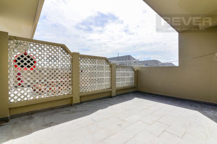 Balcony Bán căn hộ penthouse The Art 2PN, diện tích 100m2, có sân vườn, view hồ bơi