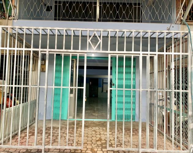Bên ngoài căn hộ chung cư Tân Quy Căn hộ chung cư Tân Quy bàn giao nội thất cơ bản, hướng Đông.
