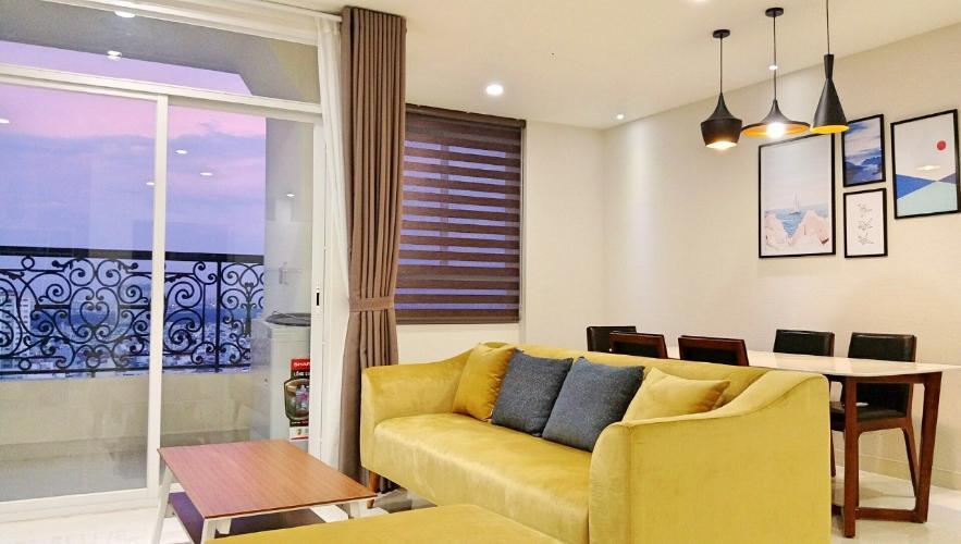 Phòng khách căn hộ Grand Riverside, Quận 4 Căn hộ Grand Riverside đầy đủ nội thất, view thành phố sầm uất.
