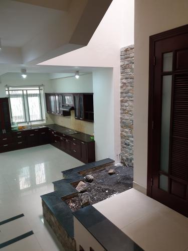 Phòng bếp nhà Bình Chánh Nhà phố diện tích 5mx20m nội thất cơ bản, đường xe hơi thông thoáng.
