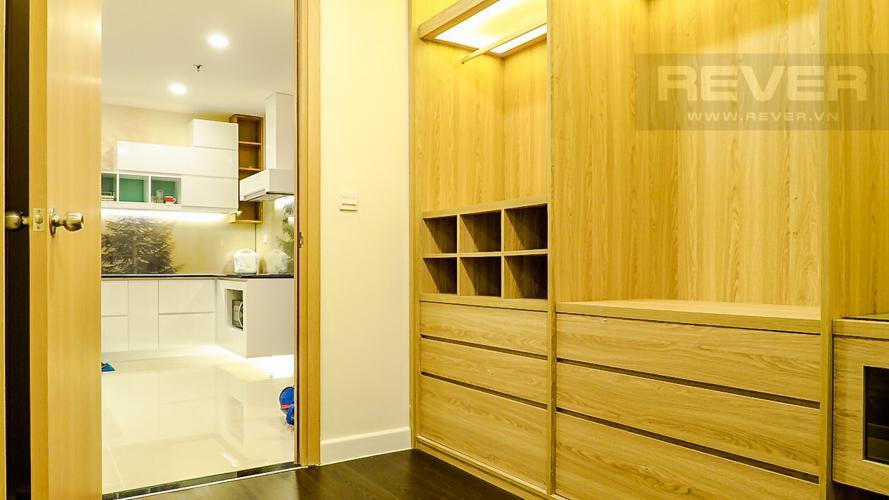 Phòng Thay Đồ Căn hộ RiverGate Residence tầng cao, 2PN, đầy đủ nội thất, view kênh Bến Nghé