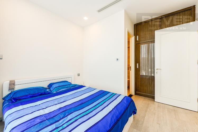 Phòng ngủ 1 Căn hộ Vinhomes Golden River tầng cao, 2PN, đầy đủ nội thất, view đẹp