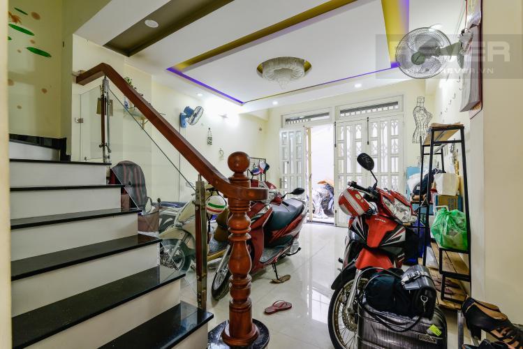 Phòng Khách Cho thuê nhà phố 2 phòng ngủ hẻm 540 đường Cách Mạng Tháng 8, Quận 3, đầy đủ nội thất