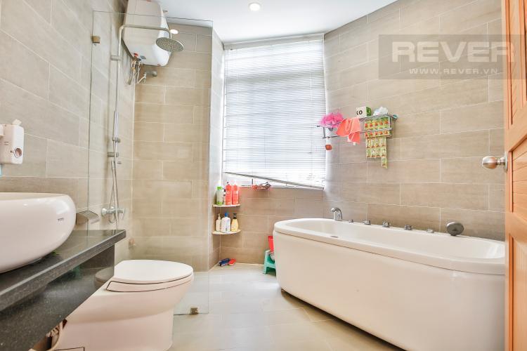 Toilet 2 Nhà phố 3 phòng ngủ khu Hoja Villa, Phước Long B, Quận 9