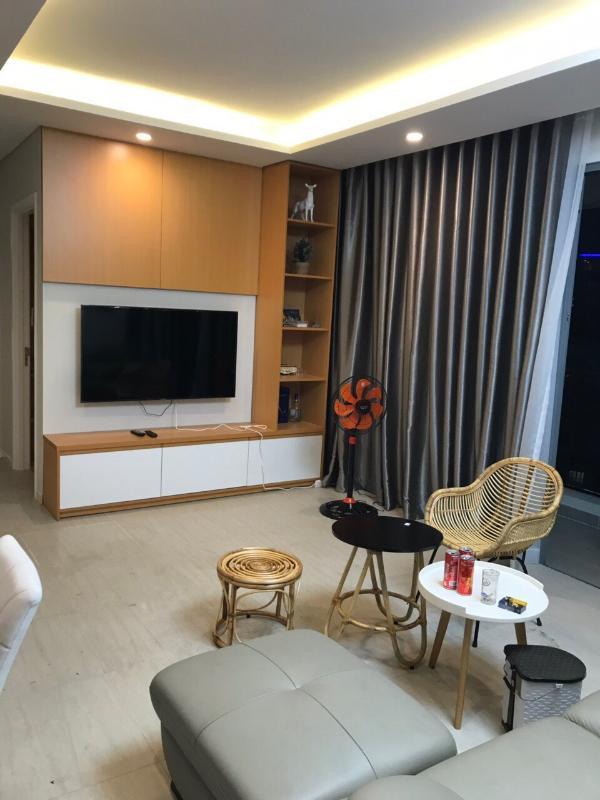 Tivi phòng khách Cho thuê căn hộ Diamond Island - Đảo Kim Cương 2PN, tháp Bora Bora, đầy đủ nội thất, hướng Đông