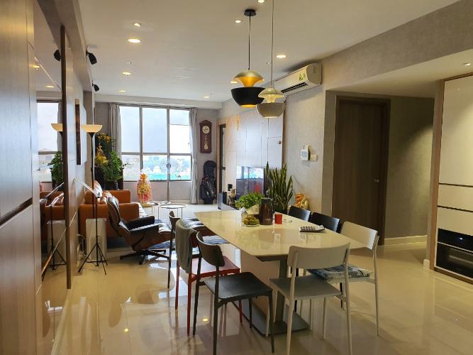 Phòng khách căn hộ Icon 56 Căn hộ chung cư Icon 56 view thành phố cực thoáng, đầy đủ tiện nghi.