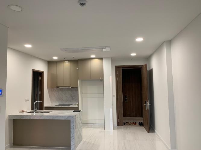 Cho thuê căn hộ Kingdom 101 thuộc tầng trung, diện tích 79m2 2PN