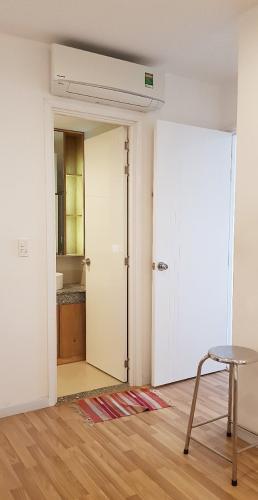Phòng khách căn hộ City Gate Căn hộ City Gate tầng cao nội thất đầy đủ, view nội khu hồ bơi.