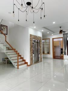 Bán biệt thự đường số 47, P. Thảo Điền, Quận 2, diện tích 294.9m2, nội thất đầy đủ, sang trọng.