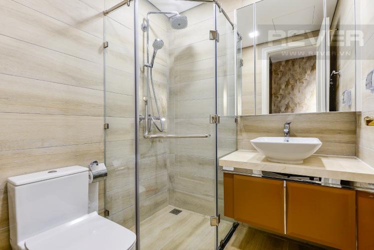 Phòng tắm 2 Căn hộ Vinhomes Golden River tầng thấp, tháp Aqua 4, 2 phòng ngủ, view hồ bơi.