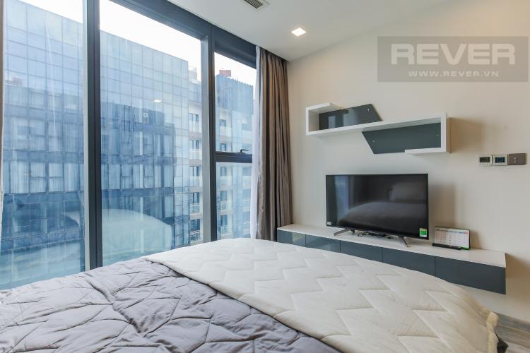 Phòng Ngủ 1 Cho thuê căn hộ Vinhomes Golden River 2PN, tầng cao, đầy đủ nội thất, view sông Sài Gòn