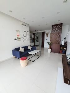 Bán hoặc cho thuê căn hộ The Vista An Phú 2PN, nội thất cơ bản, ban công Đông Nam, view Xa lộ Hà Nội
