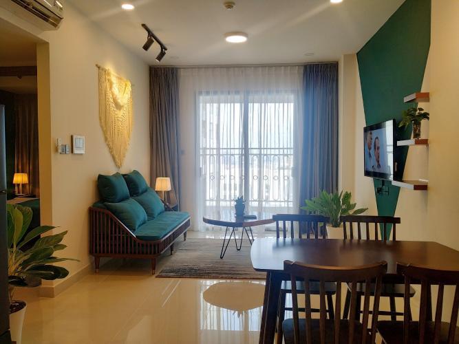 Phòng khách Saigon Royal, Quận 4 Căn hộ Saigon Royal view hướng hồ bơi, ban công hướng Đông Nam.
