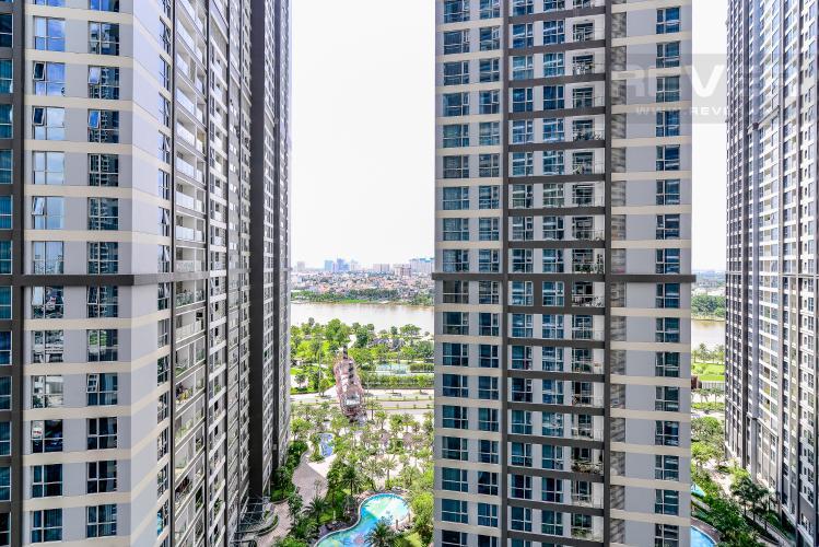 View Căn hộ Vinhomes Central Park 3 phòng ngủ tầng trung P7 view hồ bơi