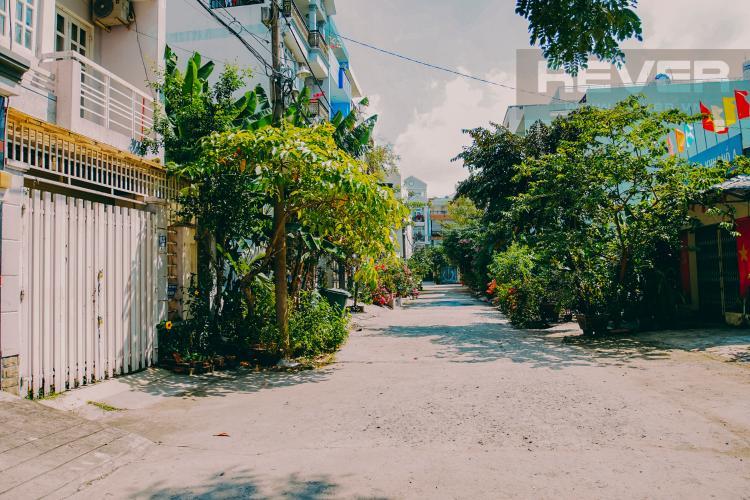 Lối Đi Bán nhà phố 2 tầng thuộc khu dân cư Lacasa Hoàng Quốc Việt