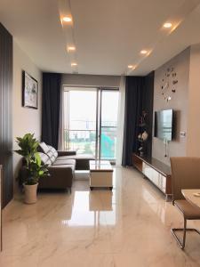 Căn hộ tầng cao Phú Mỹ Hưng Midtown, nội thất cao cấp đầy đủ.