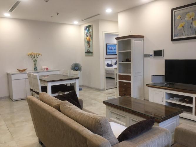 Phòng khách , Căn hộ vinhomes Golden River , Quận 1 Căn hộ Vinhomes Golden River tầng 19 view thoáng mát, đầy đủ nội thất.