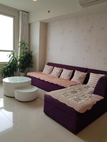 Bán căn hộ Sunrise City 3PN, diện tích 129m2, đầy đủ nội thất, hướng Nam