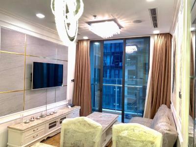 Bán căn hộ Vinhomes Golden River 1 phòng ngủ, tầng cao, đầy đủ nội thất, view sông Sài Gòn