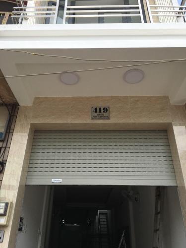Trước nhà quận Bình Thạnh Nhà mặt tiền đường Bạch Đằng, cách chợ Bà Chiểu 500m, sổ hồng đầy đủ.