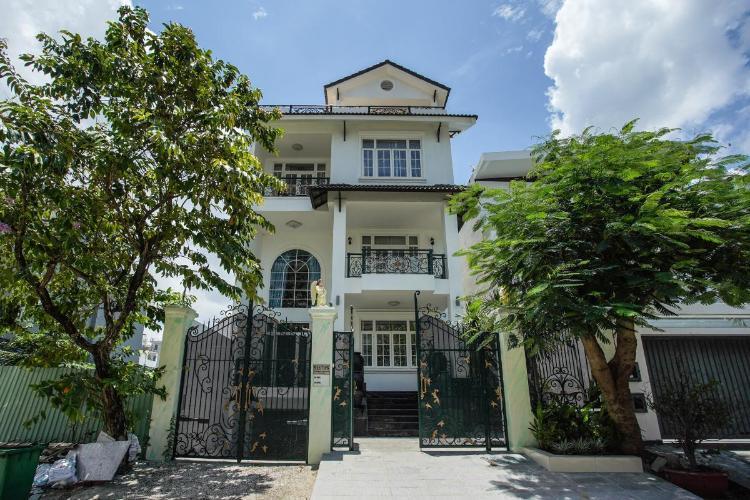 Bán nhà mặt tiền Lê Văn Lương, Nhà Bè, đầy đủ nội thất, cách KDC Phước Kiển A 400m