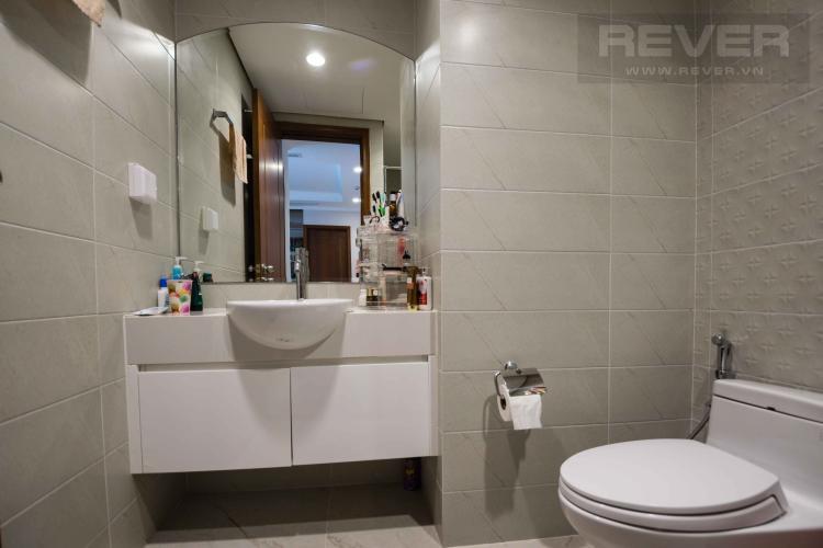Toilet 2 Bán căn hộ Vinhomes Central Park 2 phòng ngủ tầng thấp tháp C2, đầy đủ nội thất cao cấp